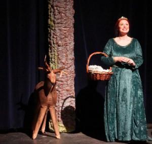 Malarie Novotny as Princess Fiona