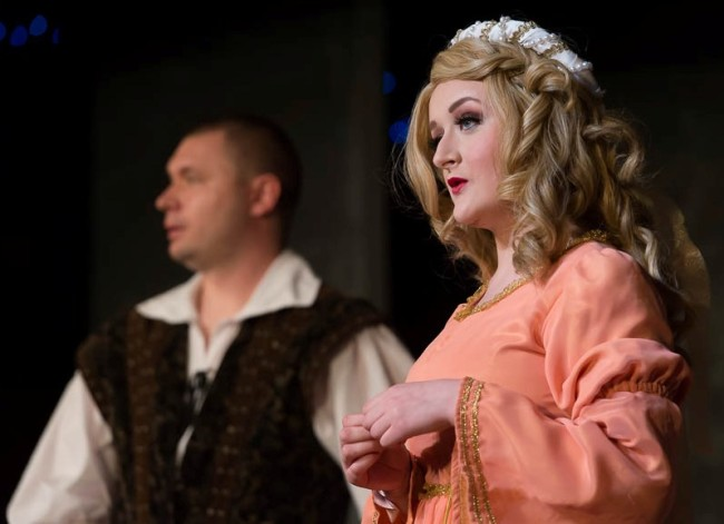 Sir Harry (L- Greg Quinn) and Lady Larken (R- Patricia Hengen) in Once Upon A Mattress