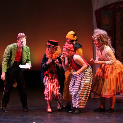 "The ensemble of ""Impossible! A Happenstance Circus"""