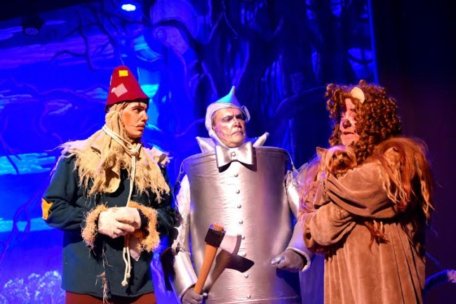 Jamie Austin Jacobs (left) as Scarecrow, Michael Quinn (center) as Tinman, and John Sheldon (right) as Cowardly Lion in The Wizard of Oz at Suburban Players