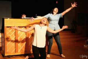 Rebehkah Latshaw (left) as Susan and Gina Dzielak (right) as Heidi in [Title of Show] at Elkton Station
