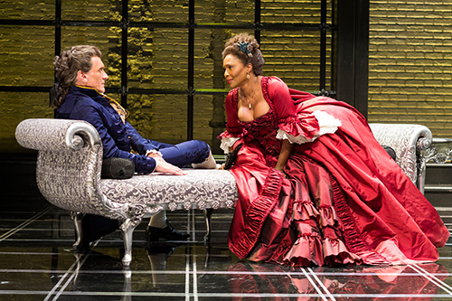 (L to R) Brent Harris and Suzzanne Douglas in Les Liaisons Dangereuses
