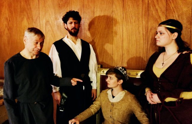 (L to R) Wayne De Cesar as John of Gaunt, Duke of Lancaster, Joshua Engel as Duke of York, Sarah Pfanz as King Richard II, and Claudia Bach as Queen Annabella