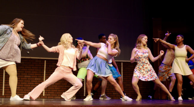 Erica Loy as Kate; Lindsey Landry as Elle Woods; Kendall Nicole Sigman as Serena; Jennie Phelps as Margot; Nia Smith as Pilar;