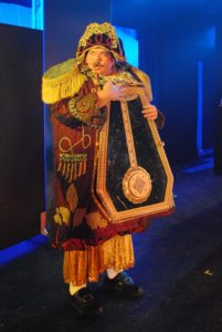 Bobby Mahoney as Cogsworth