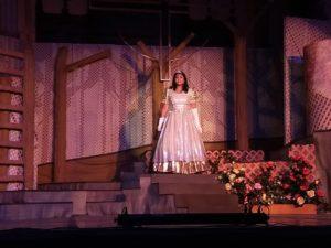 Nampoina Randrianarivelo as Cinderella