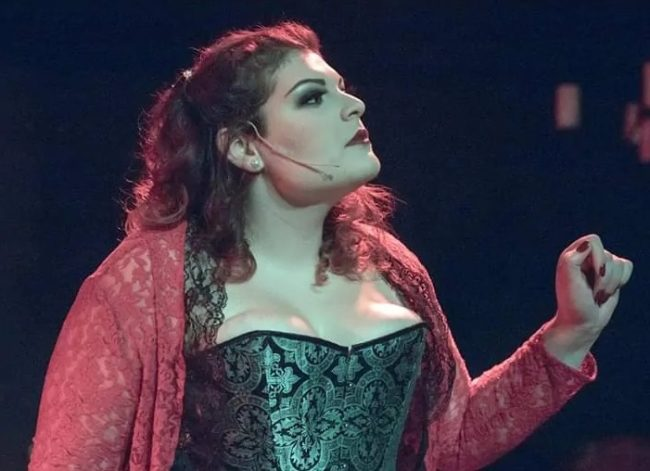 Lexi Haddad as Lucy in Jekyll & Hyde at Wolf Pack Theatre Company. Photo: Rachel Zirkin Duda
